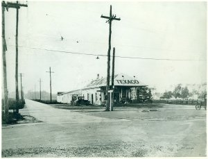 Wards Corner - 1926, Carroll Walker Collection